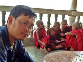 Dawei Chris with monks mod
